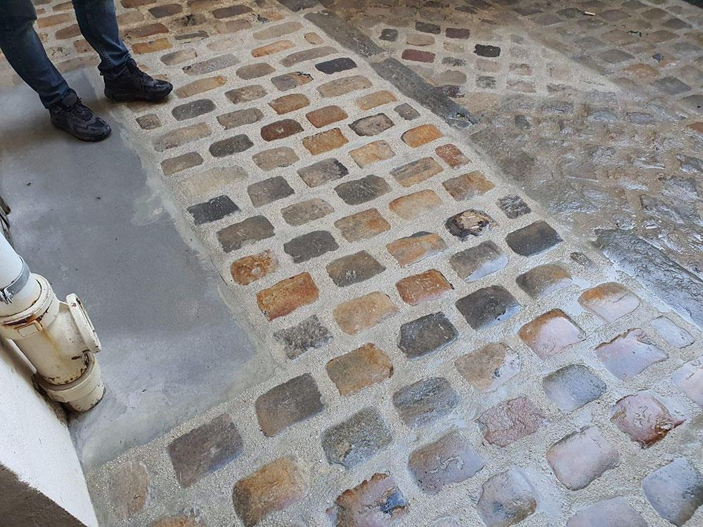 Reprise d'étanchéité et renforcement de plancher à Paris 18ème